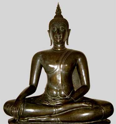 Sitting Buddha image at Wat Benjabophit